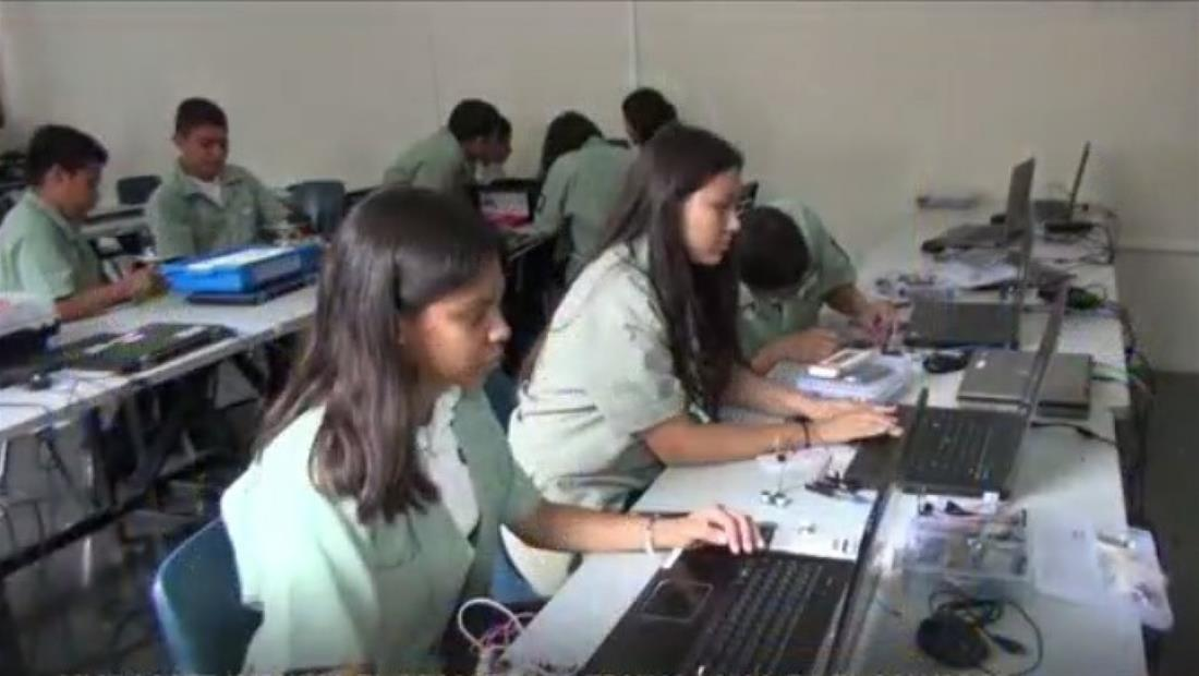 Microsoft ayudará a niños y jóvenes de El Salvador a tener mayor acceso a la informática
