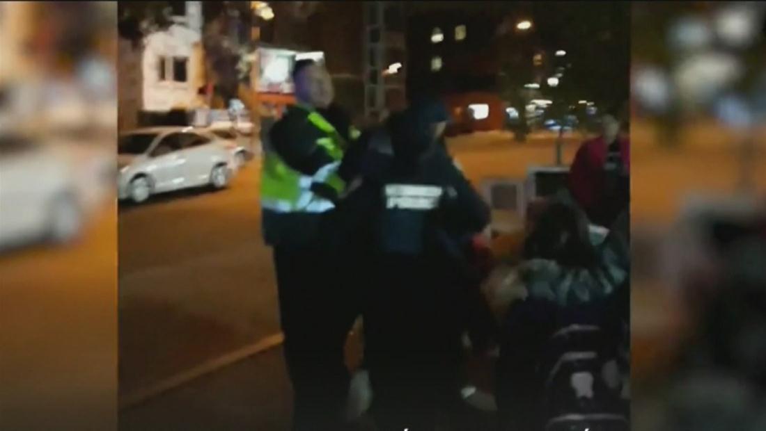 Familia latina denuncia abuso policial mientras vendían comida en la calle en Washington DC