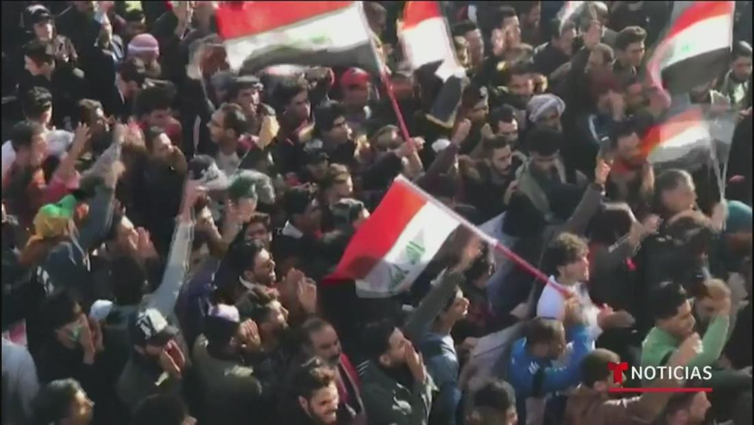 Miles de iraquíes salen a la calle para repudiar ataques de Estados Unidos a su territorio