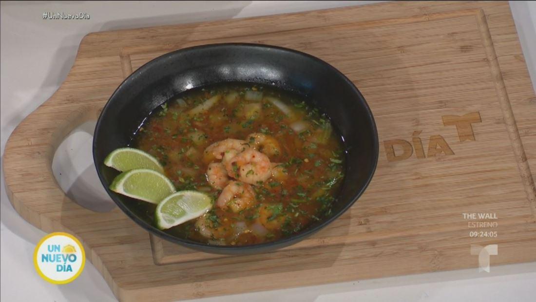 Esta receta de caldo de camarón puede curar cualquier cruda