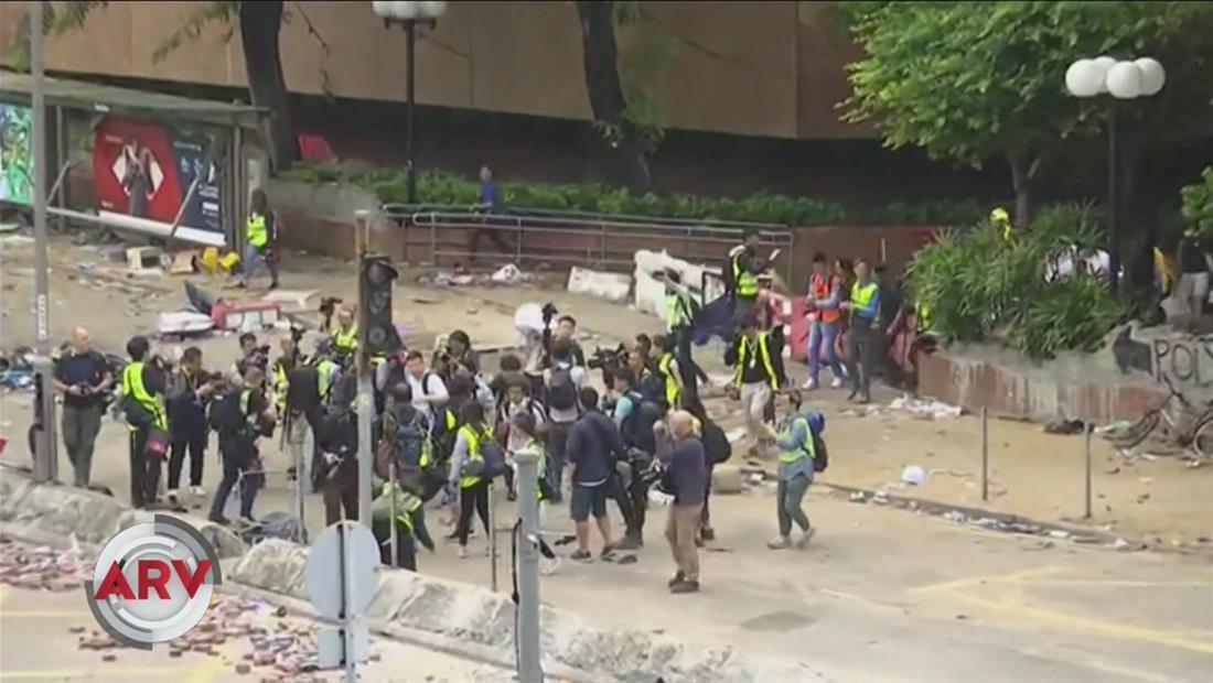 Docenas de manifestantes en Hong Kong están atrapados en protesta