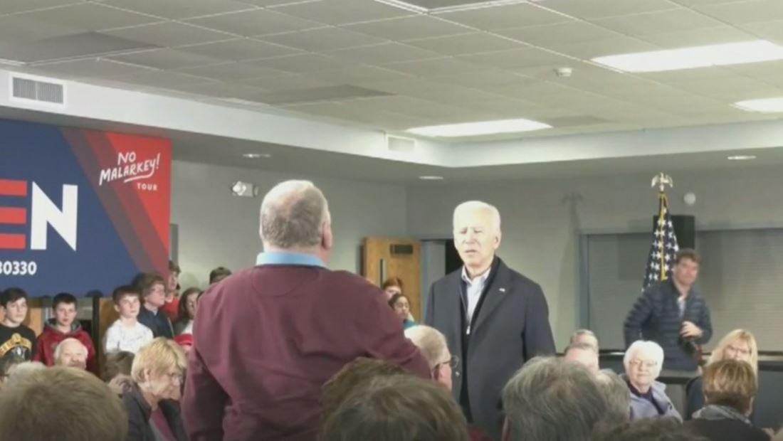 """Joe Biden desafía a votante luego de insinuar que era """"muy viejo"""" para postularse a la presidencia"""
