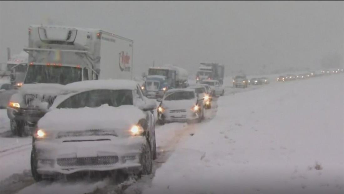 """"""" California se congela por una una poderosa tormenta que ha dejado importantes acumulaciones de nieve y lluvia"""""""