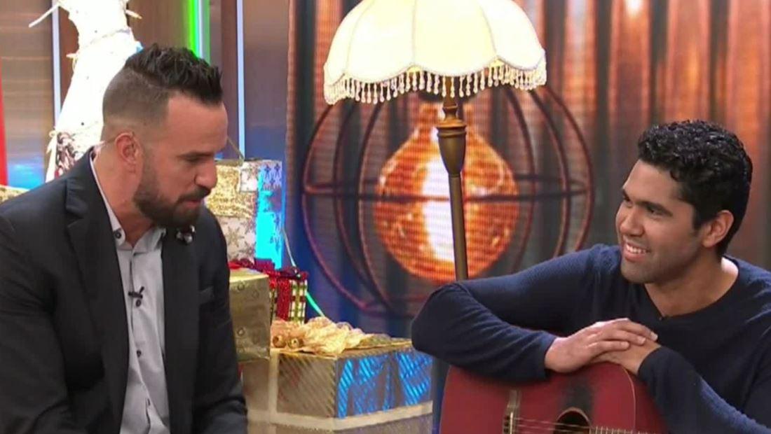 """Simón solo quiere """"Tu amor para esta Navidad"""""""