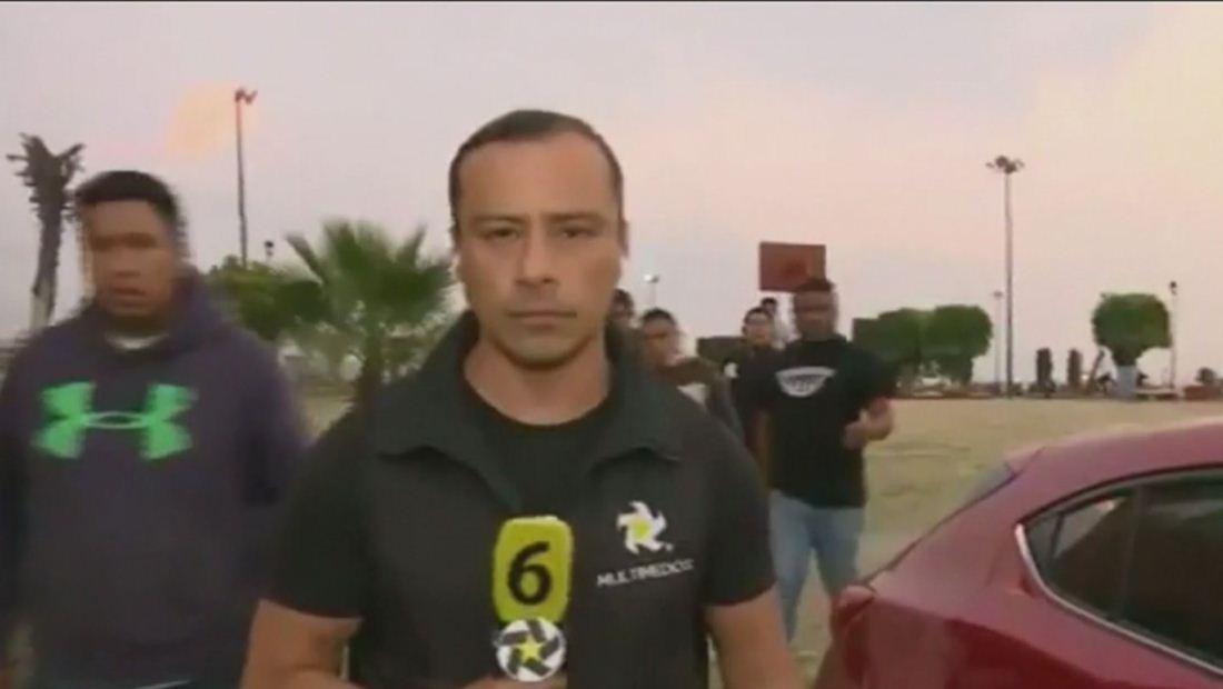 Reportero sufre intensa paliza en plena transmisión de televisión